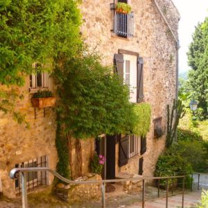 cagnes-village-steps